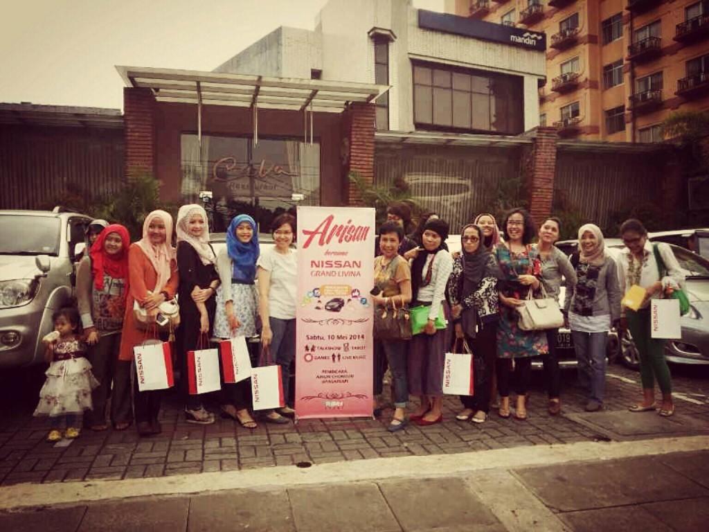 Blogger-blogger kece yang hadir di Arisan Livina